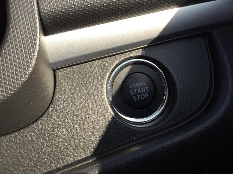 新型スイフト_エンジンボタン