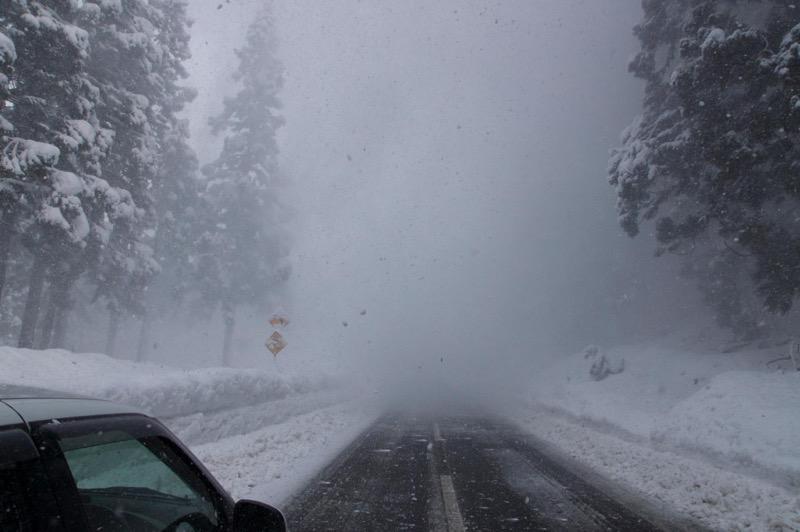 冬の峠道04