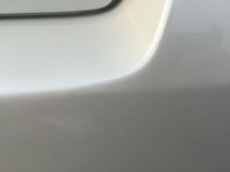 車の傷を消す方法は