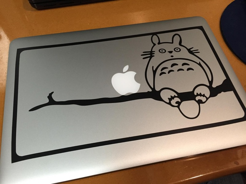 macbook pro retina_ Amazonステッカー