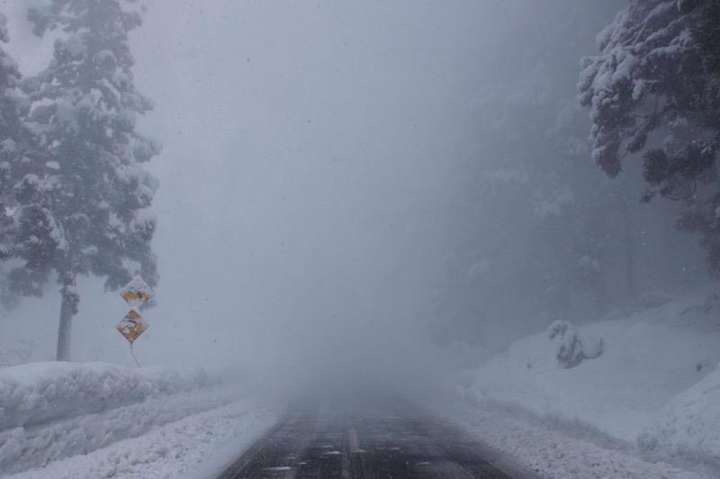 th_冬の峠道05