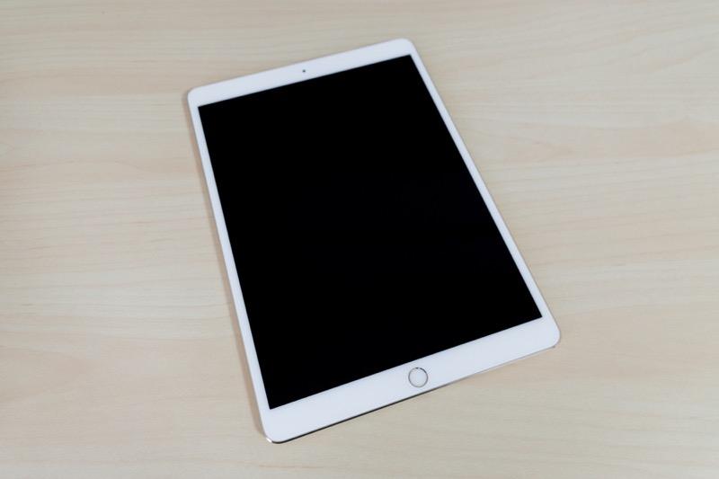 iPad Pro 10.5インチモデル(2017)_外観 映り込み